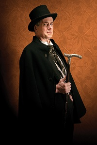Steve Hendrickson as Sherlock Holmes. Photo by Petronella Ytsma.