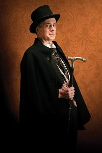 Steve Hendrickson as Sherlock Holmes. Photo by Petronella Ytsma.