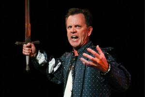 "Timothy Mooney in ""Shakespeare's Histories: Ten Epic Plays at a Breakneck Pace!"" photo from www.fringefestival.org"